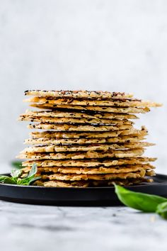 I love making these Everything Parmesan Crisps as a low-carb snack, to add to Caesar salad in place of croutons, with soup, or a great addition to any charcuterie board as an appetizer. Parmesan Chips, Keto Snacks, Healthy Snacks, Caesar Salat, Low Carb Recipes, Healthy Recipes, Diabetic Recipes, Cheese Crisps, Appetizer Dips