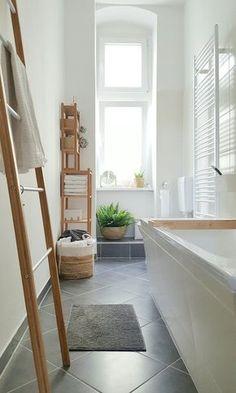 Wellness ! #interior #einrichtung #einrichtungsideen #ideen #living #realhomes #deko #dekoideen #decoration #scandinavian #skandinavisch #badezimmer #bathroom #white #wood Foto: Pixi87