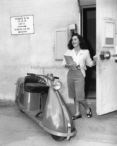 cynthia the movie 1947 -----exiting the set of her movie Cynthia