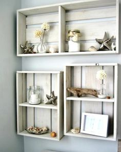 Pallets used as shelving***Ideas for shadow boxes~!