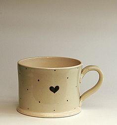 Mug-heart and spots.jpg 567×608 pixels
