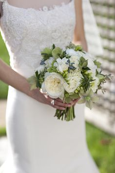 Patricia Lyons Photography // Flowers by Floral Images Design Studio