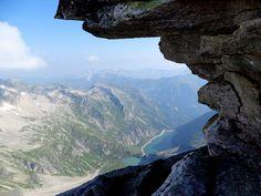 Wanderparadies Nationalpark Hohe Tauern. Das Berghotel bietet sich als idealer Ausgangspunkt für Wanderungen am Kölnbrein an. Malta, Mount Everest, Mountains, Nature, Travel, Road Trip Destinations, National Forest, Hiking, Malt Beer