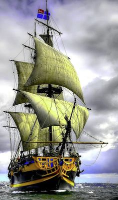 Pictures Images, Cool Pictures, Moby Dick, Old Sailing Ships, Angel Images, Boat Painting, Wooden Ship, Tug Boats, Armada