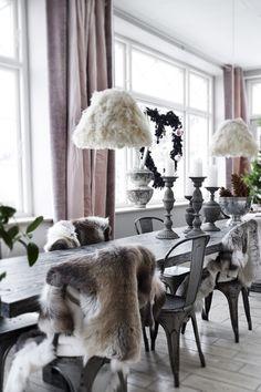 Få mere inspiration til juleudsmykningen i din bolig på madogbolig.dk