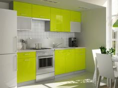 Kuchyňa - Casarredo - Perla Verde Štýlová kuchynská linka v modernom lesku a sviežej farbe, ktorá rozžiari každú kuchyňu.