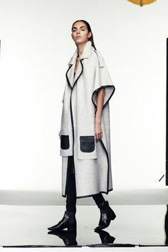 al MARWAH PELERİN BLK63694 | KIŞ OUTLET Couture Fashion, Hijab Fashion, Boho Fashion, Winter Fashion, Fashion Dresses, Womens Fashion, Fashion Line, Fashion Models, Merian