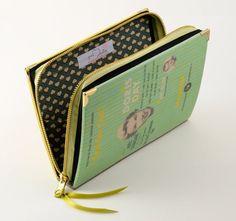 Doris Day Inspired Book Cluthc por psBesitos en Etsy
