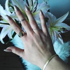 Follow the link and find the jewellery. #hvisk #hviskjewellery #hviskstylist #inspiration #jewellery #hvisk #stylist #inspiration #hviskstylist #fashion #love #mode #styling #summer #flowers #gold #jewellery #sun