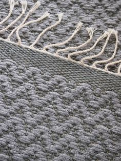 Knit Patterns, Shag Rug, Weaving, Contemporary, Rugs, Knitting, Decor, Tejidos, Knitting Patterns
