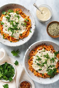 Healthy Sweet Potato Noodles with 5-Minute Vegan Alfredo Sauce! You're going to want to put this sauce on everything! | picklesnhoney.com