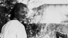 David Foenkinos rend un très bel hommage à Charlotte Salomon avec son dernier livre, <i>Charlotte</i>, un récit sous-tendu par une admiration tendre et fascinée de l'auteur pour la jeune artiste peintre morte en déportation à 26ans.