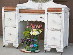 Antique Recreation: Antique Waterfall Vanity in White and Wood Diy Furniture Decor, Furniture Vanity, Paint Furniture, Furniture Makeover, Desk Makeover, Repurposed Furniture, Diy Vanity Mirror, Old Vanity, Antique Vanity