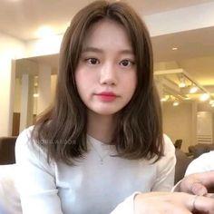 Korean Hairstyle Medium Bangs, Korean Haircut, Korean Hair Medium, Japanese Haircut, Lob Haircut, Asian Short Hair, Short Hair With Bangs, Short Hair Korean Style, Ulzzang Short Hair