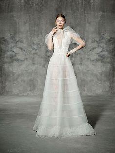DIAGONAL, yolancris, romantic, couture, dress, wedding, barcelona, bridal, gown, novia, vestido, bride, elegantes, atelier, modérons, originales, hechos a mano, artesanales, costura, couture gowns, tailored made, bespoke, best bridal designers, fashion, e