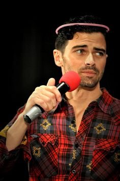Twitter / Recent images by @acklesswag Matt Cohen at Supernatural Dallas Con 2012 @annapz87