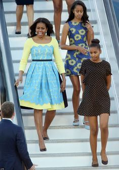 Michelle Obama and daughters Sasha and Malia to meet Prince Harry on Britain tour | Daily Mail Online