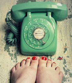 I want an old fashioned phone soooo bad!