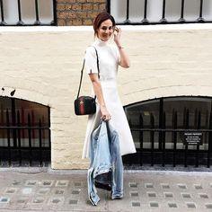 Almost summer in London - right? Look do sábado: saia e blusa Zara, jaqueta jeans anciã Abercrombie, bolsa Gucci. Vic Ceridono   Dia de Beauté
