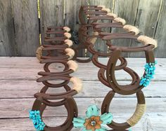 Boot Rack – Boot Storage – Horseshoe Boot Rack – Boot Organizer – Cowboy Boot Rack – Horseshoe Decor – Horseshoe Art – Gift for Family – Typical Miracle Horseshoe Projects, Horseshoe Crafts, Horseshoe Art, Metal Projects, Lucky Horseshoe, Welding Crafts, Diy Welding, Welding Projects, Metal Welding