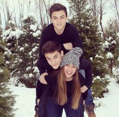 Cameron(their sis) is so pretty! And of course the twins are hot as always