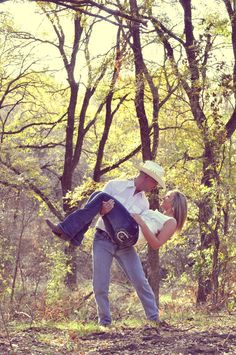 Country Engagement Pictures - these are cute! #engaged #photos