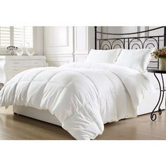 Queen size Hypoallergenic Down Alternative Comforter in White - Quality House