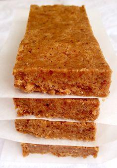 Protein Bar: ground almonds; coconut flour; coconut sugar; pea protein; unsweetened peanut butter; extra virgin coconut oil; rice milk