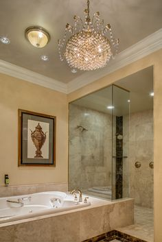 Renovations to the Historic Hotel guest rooms. Presidential Suite bathroom view.