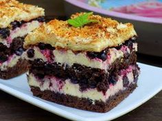 Home Candy - Domestic Kitchen: cocoa cake with berries and cream grysikowym Polish Desserts, Polish Recipes, Cookie Desserts, Cookie Recipes, Dessert Recipes, Food Cakes, Cupcake Cakes, Romanian Desserts, Cocoa Cake