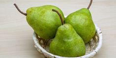 Making baby food from pears is quick and easy!
