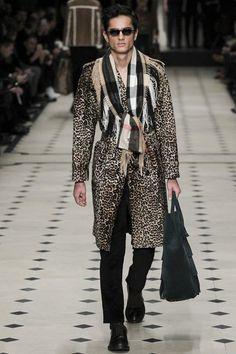 Burberry Prorsum [21] | AW15/16 | Menswear #LCM men, cinched waist???! <3
