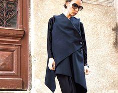 NEW Autumn / Winter Wool Grey Bolero / Extravagant Jacket / Wool Blend Coat by Aakasha Wide Leg Pants, Black Pants, Leggings, Ärmelloser Mantel, Sleeveless Coat, Grey Vest, Hooded Vest, Loose Tops, Black Linen