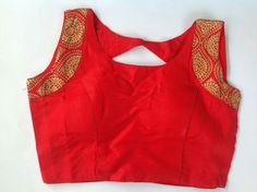 Blouse Back Neck Designs, Silk Saree Blouse Designs, Choli Designs, Saree Blouse Patterns, Designer Blouse Patterns, Lehenga Blouse, Saree Dress, Sari, Blouse Desings