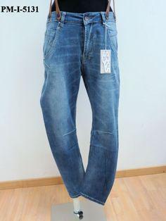 Jeans cavallo basso con bretelle