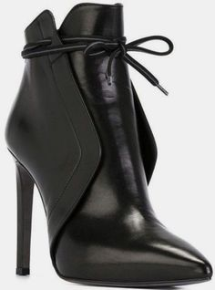 Ladies Short Elegant Bow-Tie Pointed Toe High Heels Boots I'm In love with this boots! Source by enmahoney shoes High Heels Boots, Heeled Boots, Bootie Boots, Shoe Boots, Stiletto Boots, Shoes Sandals, Leather Ankle Boots, Bootie Heels, High Heels Outfit