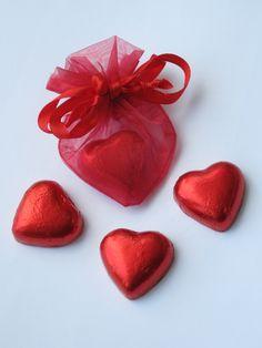 Organza hartjes zakjes voor moederdag, valentijn, bruiloft etc. Leverbaar in diverse kleuren op www.organzastore.nl