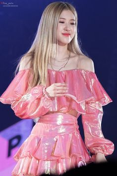 rose blackpink cute 190126 In Your Area HongKong # # Stage Outfits, Mode Outfits, Fille Indie, Off Shoulder Outfits, Foto Rose, Mode Ulzzang, Rosen Tattoos, Mode Kpop, 1 Rose