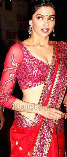 #OMG: @deepikapadukone #Saree, Blouse, #Earrings... <3
