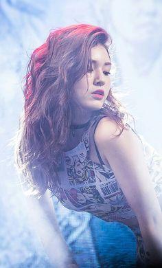 << Jeon Somi >> Jeon Somi, Kpop Girl Groups, Kpop Girls, Korean Beauty, Asian Beauty, Jung Chaeyeon, Beauty Full Girl, Stylish Girl Pic, Beautiful Asian Girls