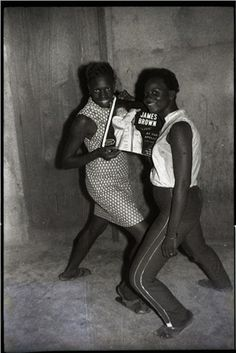Malick Sidibé, James Brown fans, 1965. Collection Tropenmuseum