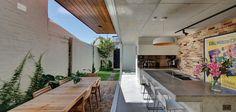 Long Courtyard House | ArchitectureAU