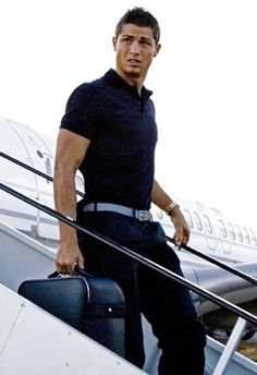 Cristiano Ronaldo ♥ the belt - see also http://pinterest.com/martapins/cristiano-ronaldo-fashion-belt-power/
