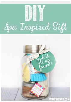 DIY spa inspired gift. Create perfect pairings of your favorite bath and body products with tools to help elevate their routine. Best part? It's all from @Target!  Great idea for a wedding gift, birthday, Mother's Day, or for a new mom. Free printables included! #MyBathery (spon)