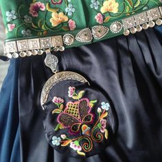 Aksel Waldemar-bunad, B95 - veske Folk Costume, Costumes, Vera Bradley Backpack, Norway, Backpacks, Bags, Fashion, Handbags, Moda