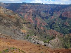 Top Kauai attractions not to miss for tourists - Waimea Canyon State Park, Na Pali Coast State Wilderness Park, Wailua River, Fern Grotto, Lihue  and other landmarks and other points of interest