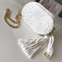Marvelous Crochet A Shell Stitch Purse Bag Ideas. Wonderful Crochet A Shell Stitch Purse Bag Ideas. Crochet Purse Patterns, Crochet Clutch, Crochet Shoes, Crochet Handbags, Love Crochet, Crochet Clothes, Knit Crochet, Crotchet Bags, Knitted Bags