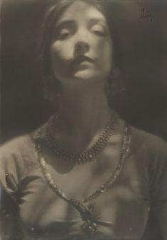 edward weston Portrait of Ruth St Denis, 1916