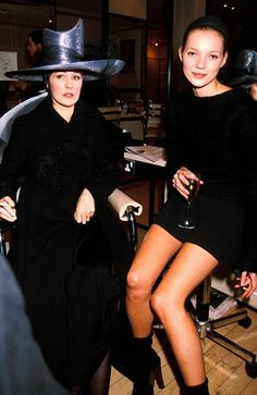Lucy Ferry et Kate Moss à la Fashion Week de Londres, 1993