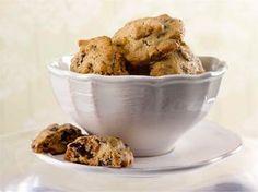 Parhaat cookiesit, käytä maitosuklaata tai valkosuklaata. Tai molempia!